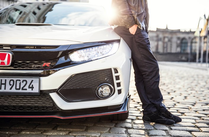 108945_2017_Honda_Civic_Type_R.jpg